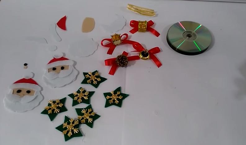 Como Hacer Con Cd Adornos De Navidad Para Adornar Las Puertas